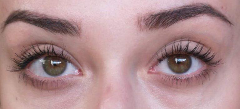 two coats of zoeva graphic lash mascara